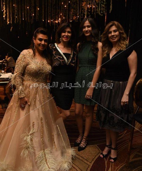 نجوم الفن يشاركون نشوى مصطفى الاحتفال بزفاف ابنها