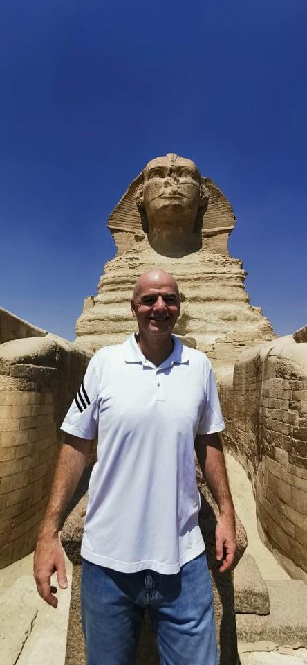رئيس الاتحاد الدولي لكرة القدم بمنطقة أهرامات الجيزة