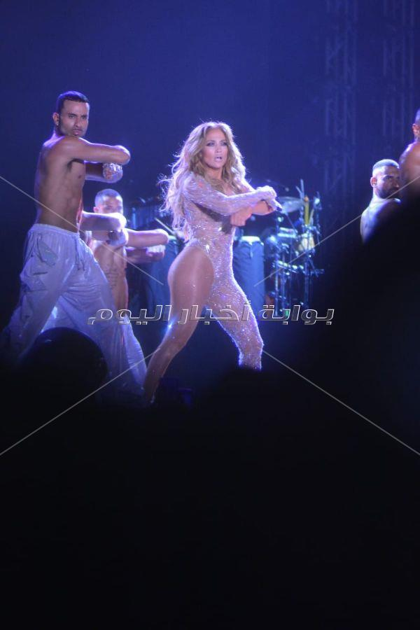 مشاهير المجتمع في حفل جينيفر لوبيز في العالمين الجديدة