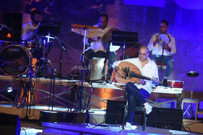 كايرو ستيبس تُلهب أجواء أولى ليالي «مهرجان القلعة»