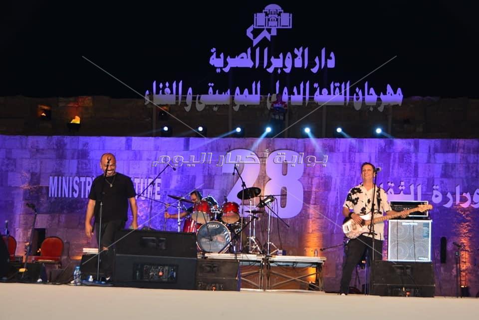وزير الثقافة وسط اكثر من 15 الف من شباب مصر فى مهرجان القلعة