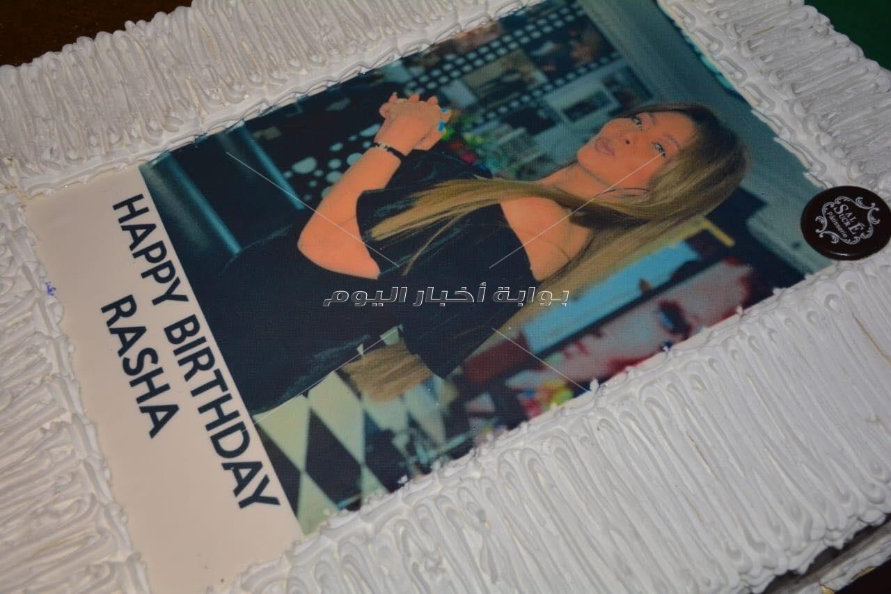 ساندي وإيناس علي تحتفلان بعيد ميلاد رشا عادل