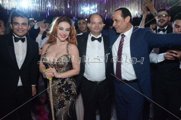 «يوم تلات» عمرو دياب تُشعل إحدى حفلات الزفاف