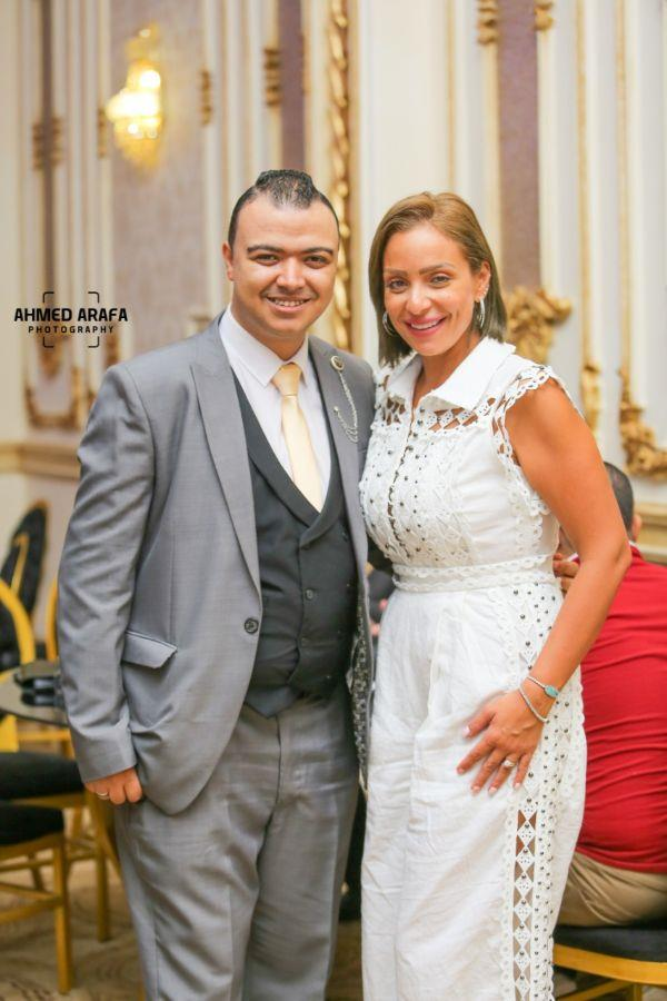 فنانون يحتفلون بخطوبة الإعلامي محمد علي