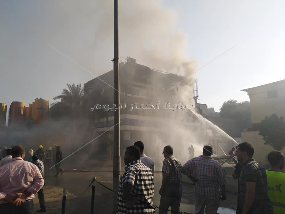 اخماد حريق بمحل قماش بمنطقة وكالة البلح