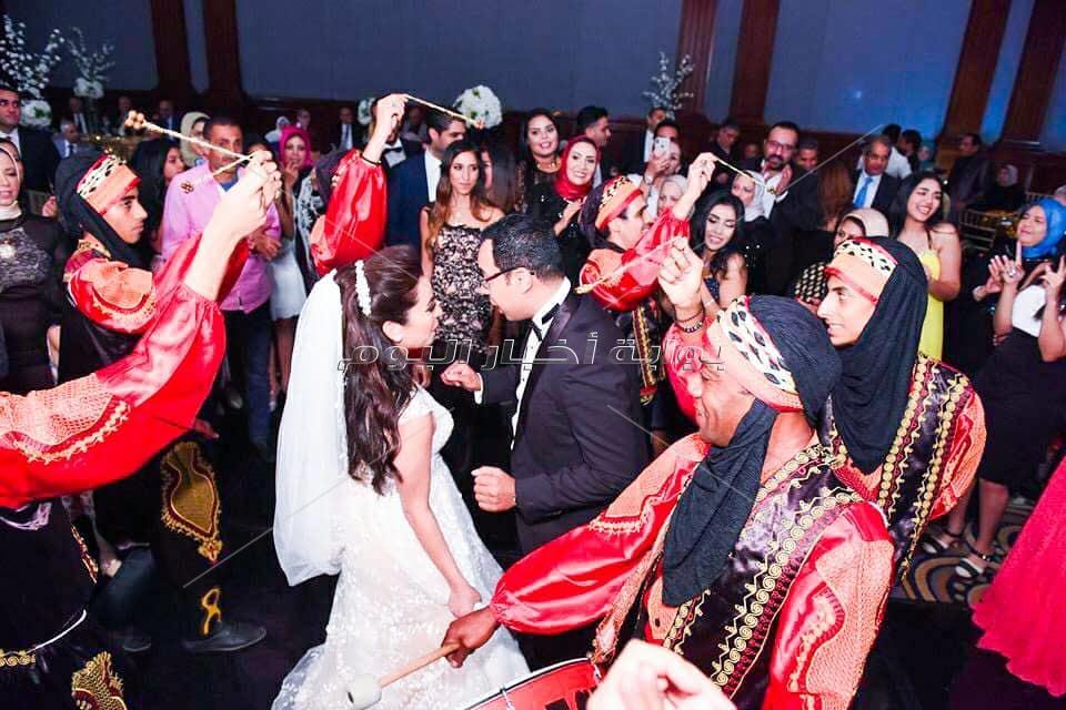 حميد الشاعري يشعل زفاف «طاهر ودينا»