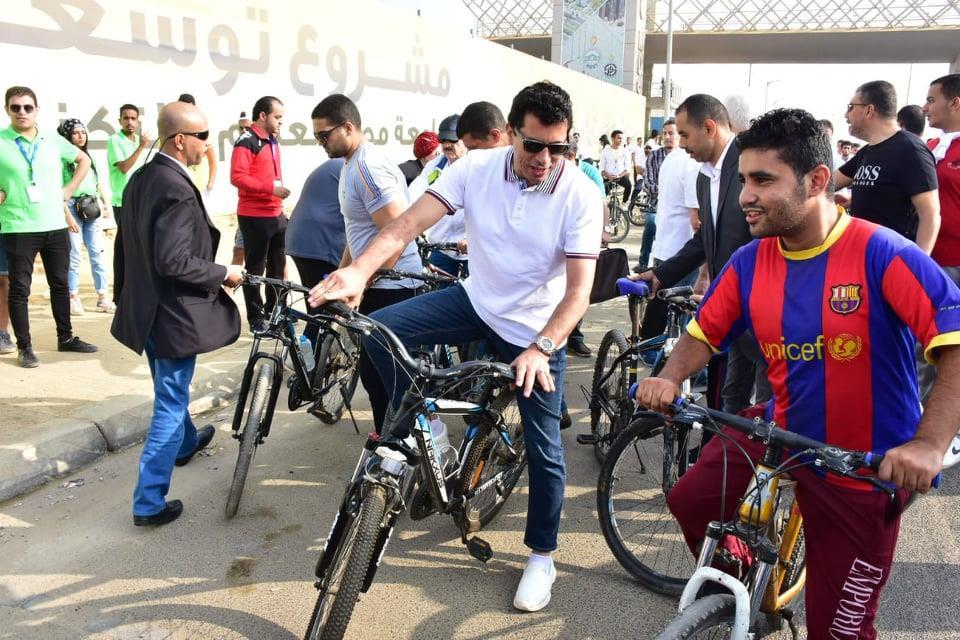 ماراثون «دراجات» بجامعة مصر للعلوم والتكنولوجيا