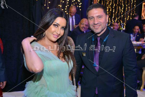 نجوم وشخصيات عامة يحتفلون بزفاف ابن هاني شاكر.. والهضبة نجم الحفل