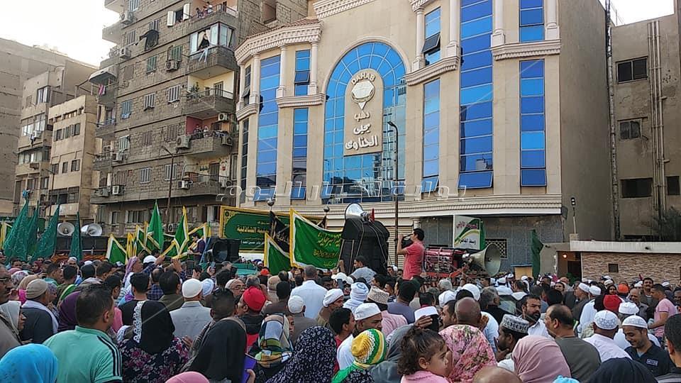 صور| بدء انطلاق مواكب الصوفية بالفلكلور النوبي والصلاة على النبي