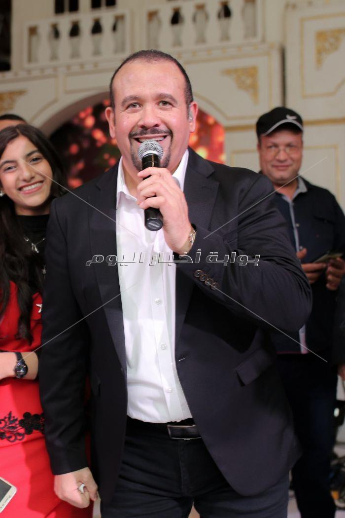 هشام عباس والليثي ودينا نجوم زفاف «محمود وزينب»