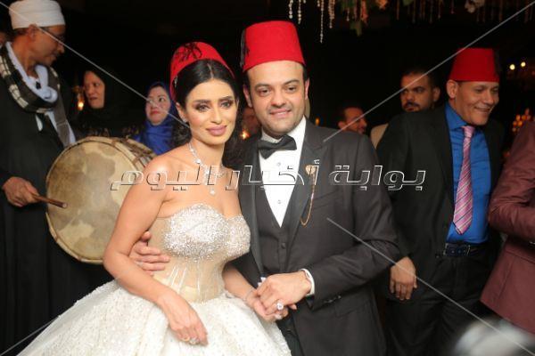 الليثي وأمينة يُشعلان زفاف «عبد الغني وميرا»