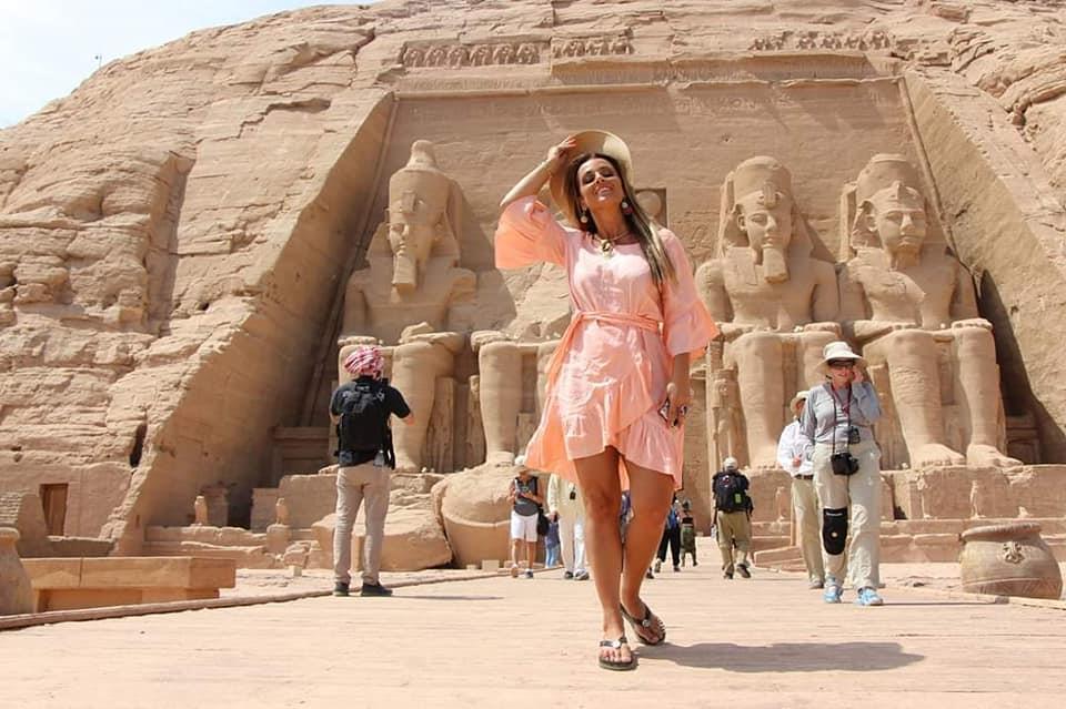 المذيعة الشهيرة« جرازيللي كاميلليري» زارت عددًا من المواقع الأثرية بمصر