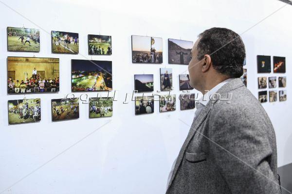 وزير الإعلام يفتتح معرض أفضل صورة صحفية لعام 2019