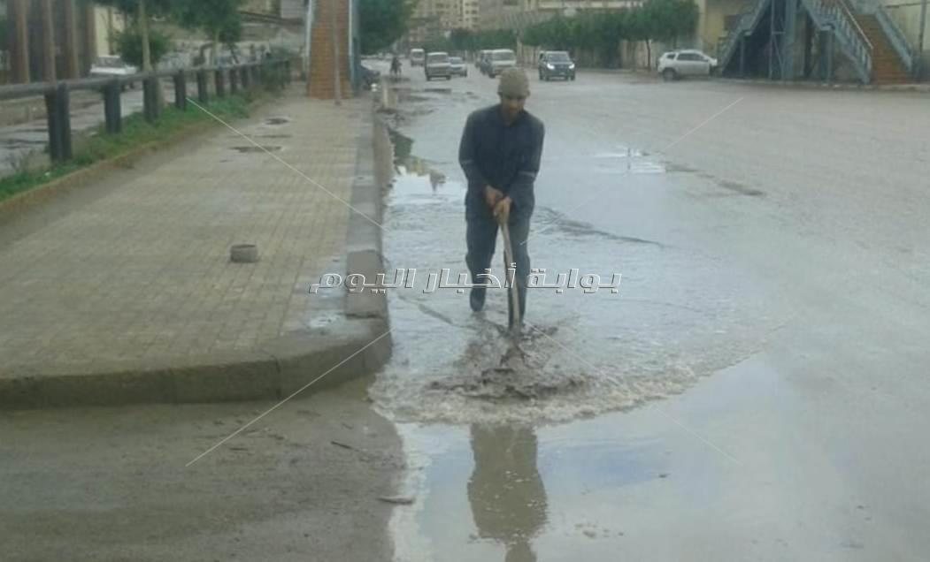 رغم الأمطار.. 79 سفينة تصل مينائي الإسكندرية والدخيلة