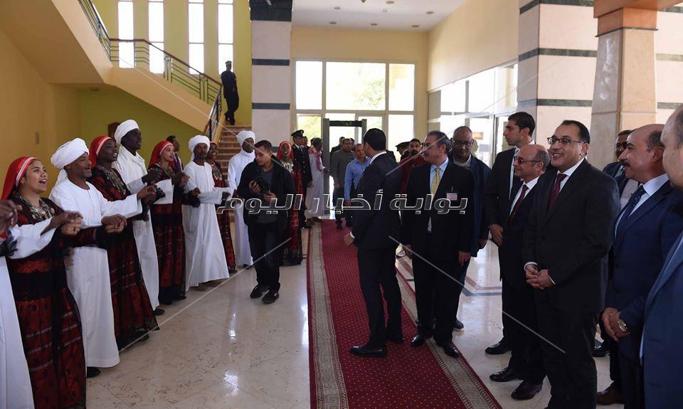 رئيس الوزراء يشهد احتفالية كبرى بأسوان لصرف تعويضات أهالي النوبة المتضررين من إنشاء السد العالي