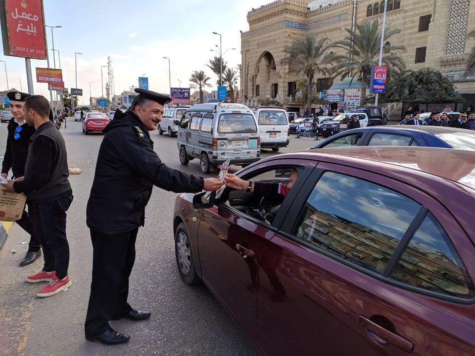 الشرطة والشعب يحتفلون بعيد الشرطة بجميع ميادين الجمهورية