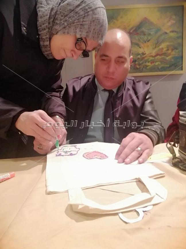 مؤسسة اليابان وأولادنا ينظمان ورش لتعليم الأطفال المكفوفين الرسم والتصوير
