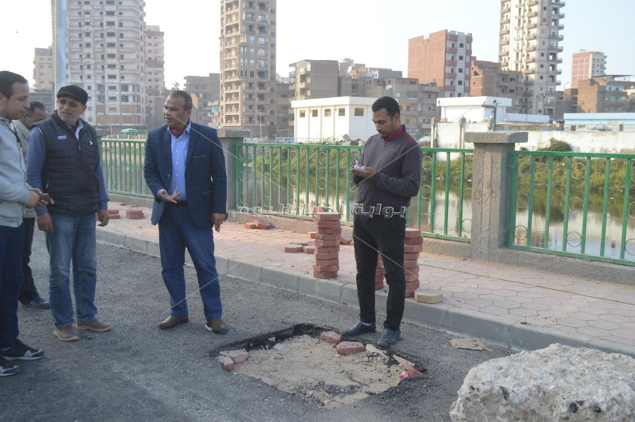 رئيس المحلة يتفقد تطوير مدخل قرية حجازي