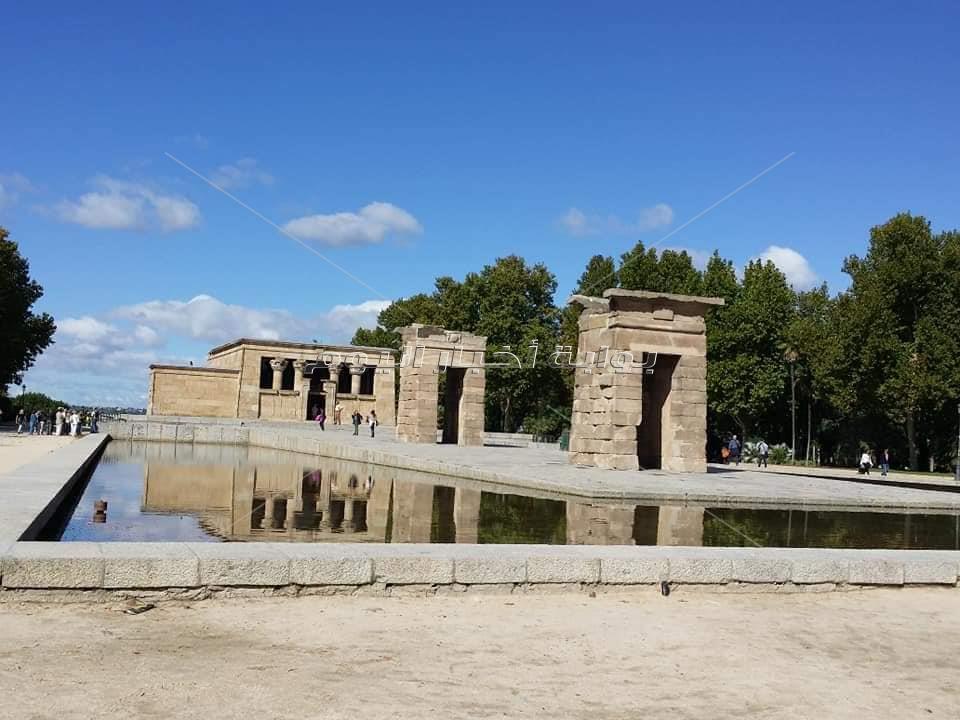 المعابد المهاجرة من أبرزهم معبد