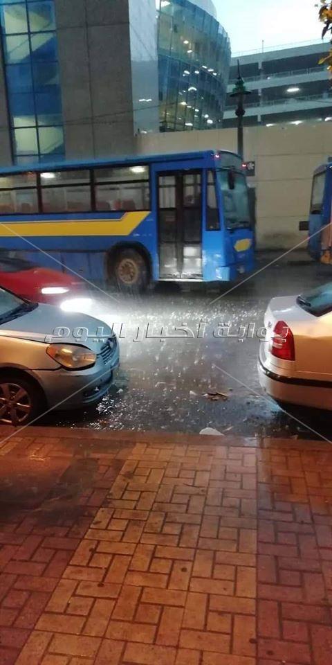 بالصور- أمطار رعدية غزيرة.. الطقس السيئ يضرب الإسكندرية من جديد