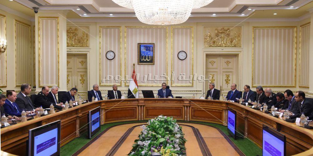 رئيس الوزراء يتابع تطوير الطريق الدائري وعددا من مشروعات وزارة النقل