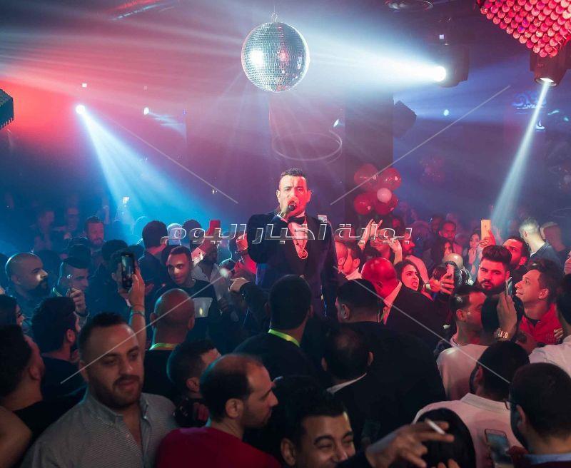 محمود الليثي يُشعل حفله بأبرز أغانيه