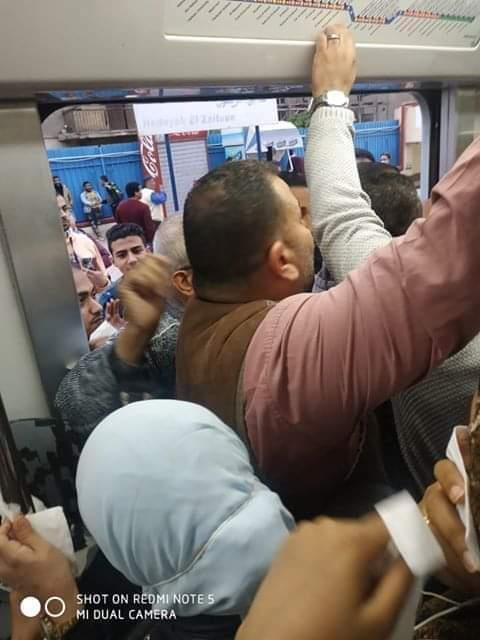 10 صور ترصد تكدس المواطنين بمترو الأنفاق القطارات قبيل الحظر