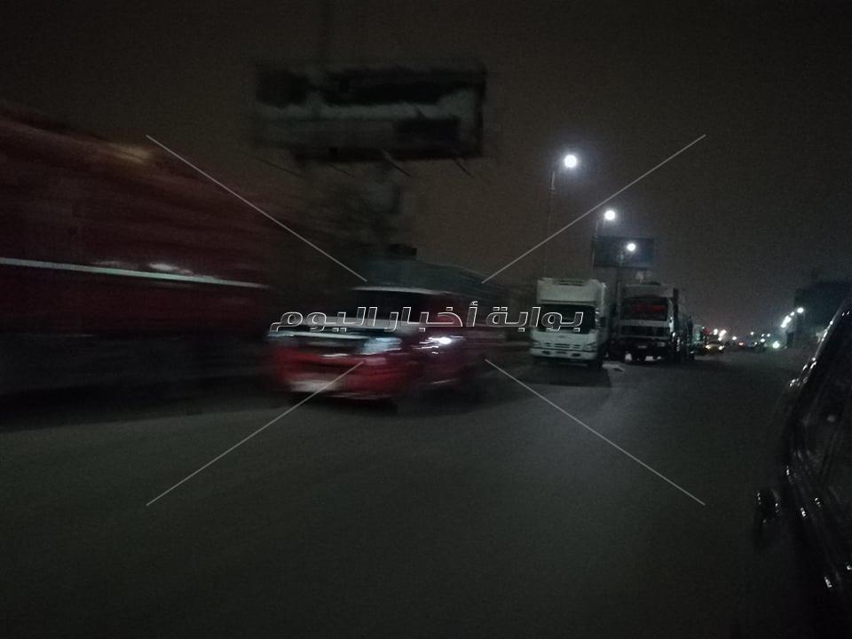 صور| تطبيق صارم لحظر التجوال على الطريق الزراعي