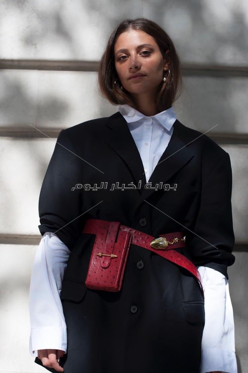 مصممة أزياء مصرية تقوم بخياطة ماسكات للمساعدة في مكافحة فيروس كورونا