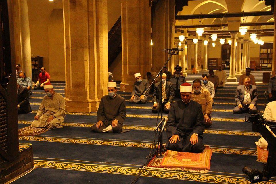 «بوابة أخبار اليوم» في الجامع الأزهر ليلة 25 رمضان
