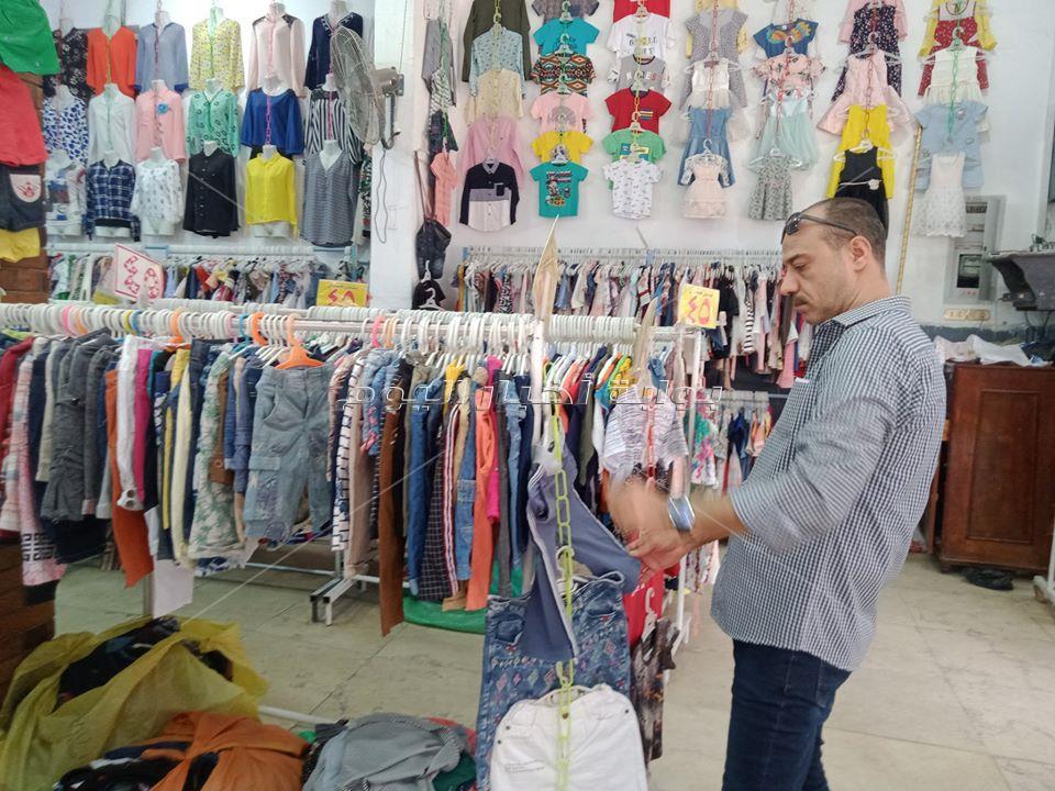 لأول مرة الوكالة «خالية».. «كورونا» يصيب الملابس بالركود