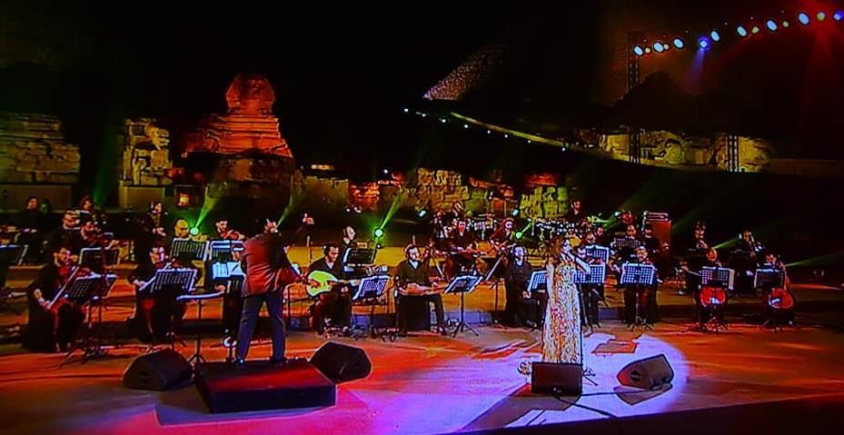 أنغام تتألق بحفل عيد الفطر على مسرح الصوت والضوء