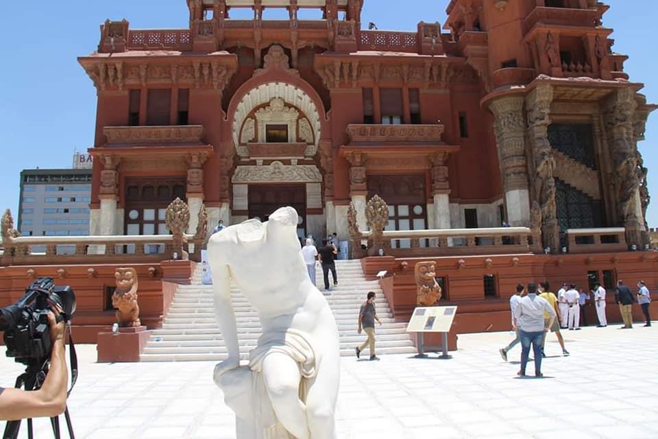 قصر البارون يستقبل عدد كبير من الزوار في أول يوم