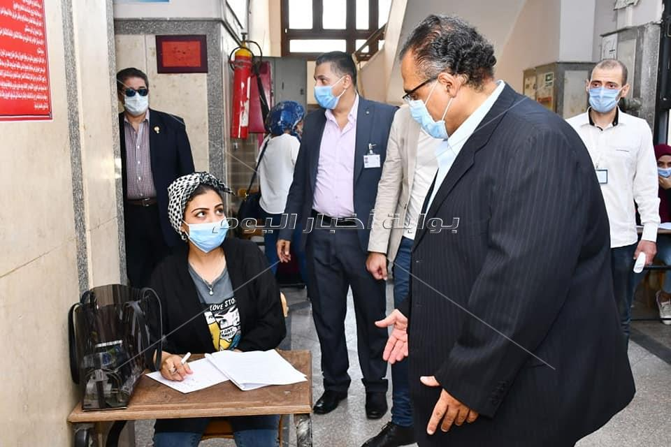 بالصور.. تربية عين شمس تستعد للامتحانات بإجراءات احترازية صارمه...