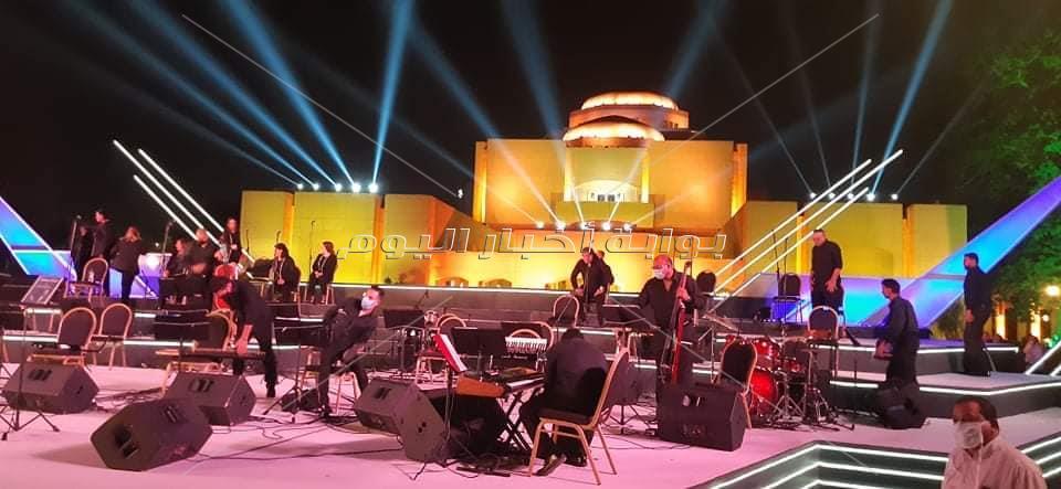 وزيرة الثقافة تشهد اول حفل بمسرح النافورة في الاوبرا