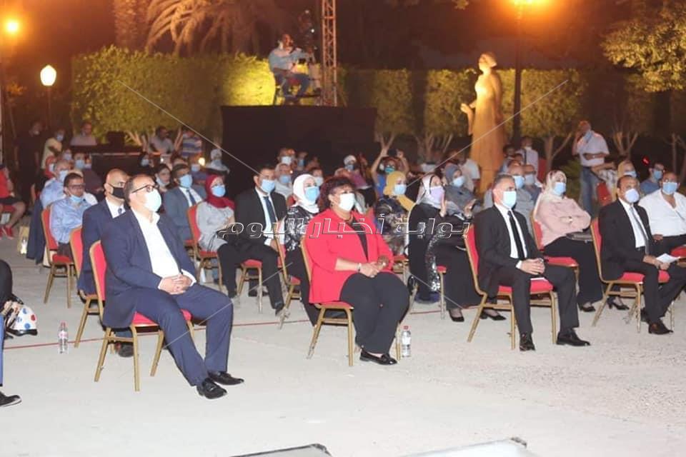 الجمهور المصرى يتحدى كورونا