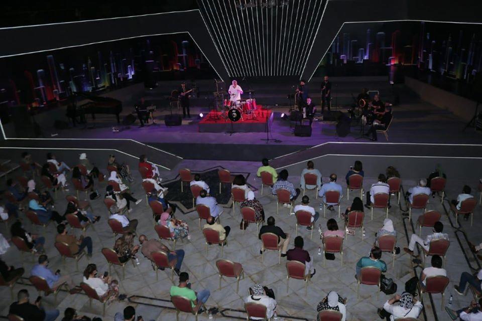 يحيى خليل مع جمهور الاوبرا في رحلة لعالم الجاز علي المكشوف