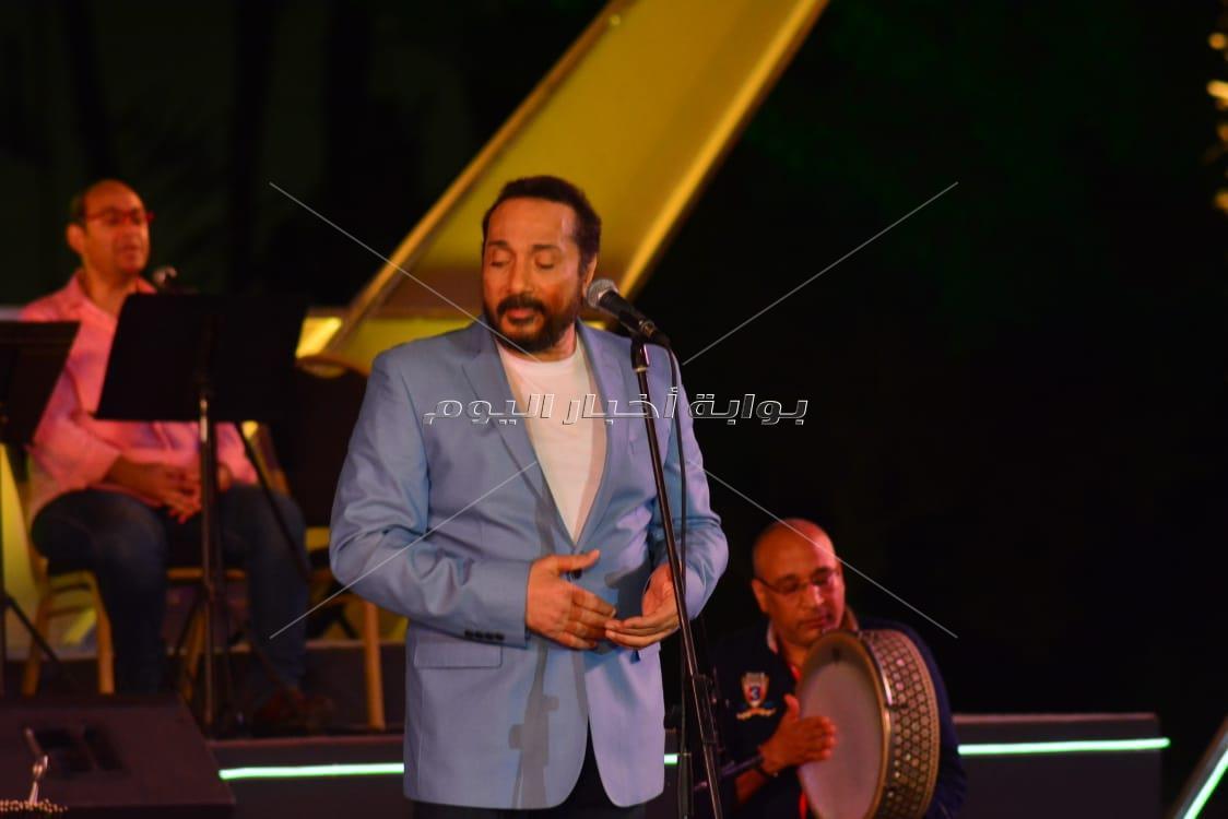 علي الحجار يتألق في حفل الأوبرا بأجمل أغانيه