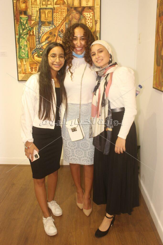 """أشرف زكي يحضر افتتاح معرض """"ذكريات"""" للفنان إسلام عمر النجدي"""