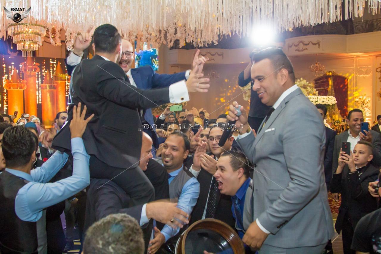 يسرا تتواجد في زفاف «أحمد وإسراء».. والليثي نجم الحفل