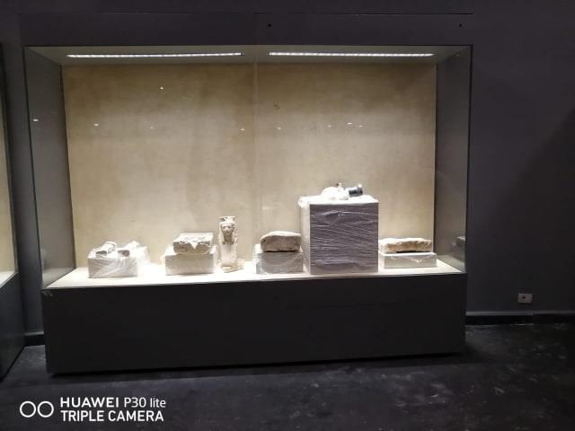 القطع الأثرية في متحف  كفر الشيخ