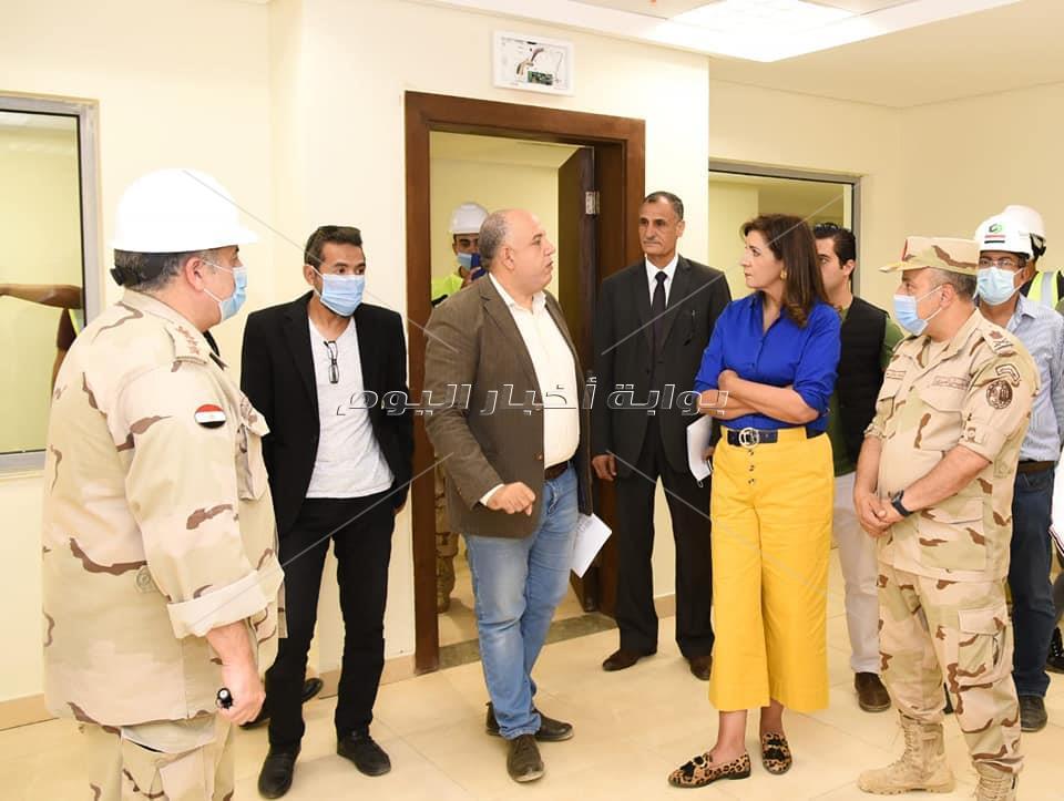 صور | وزيرة الهجرة تتفقد مبنى الوزارة بالعاصمة الإدارية الجديدة