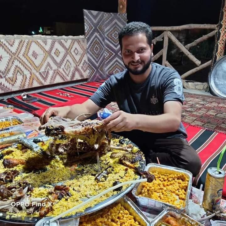 الجلايا والقديد وابومردم اكلات بدوية فى صحراء مصر الغربية