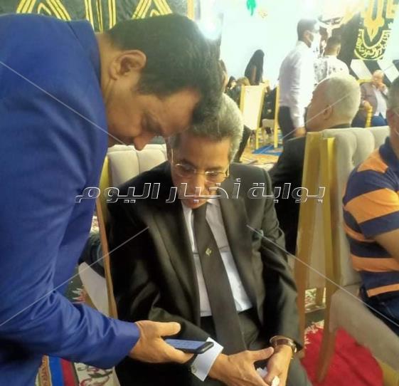 بدء عزاء الراحل محمود ياسين بحضور عدد كبير من نجوم الفن