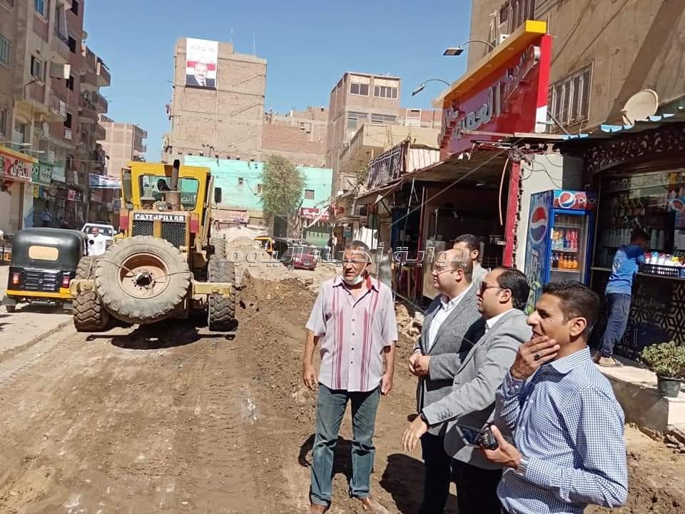 نائب محافظ الجيزة يتفقد أعمال تطوير وتوسعه محاور سعد زغلول وسمير صادق بمدينة الحوامدية