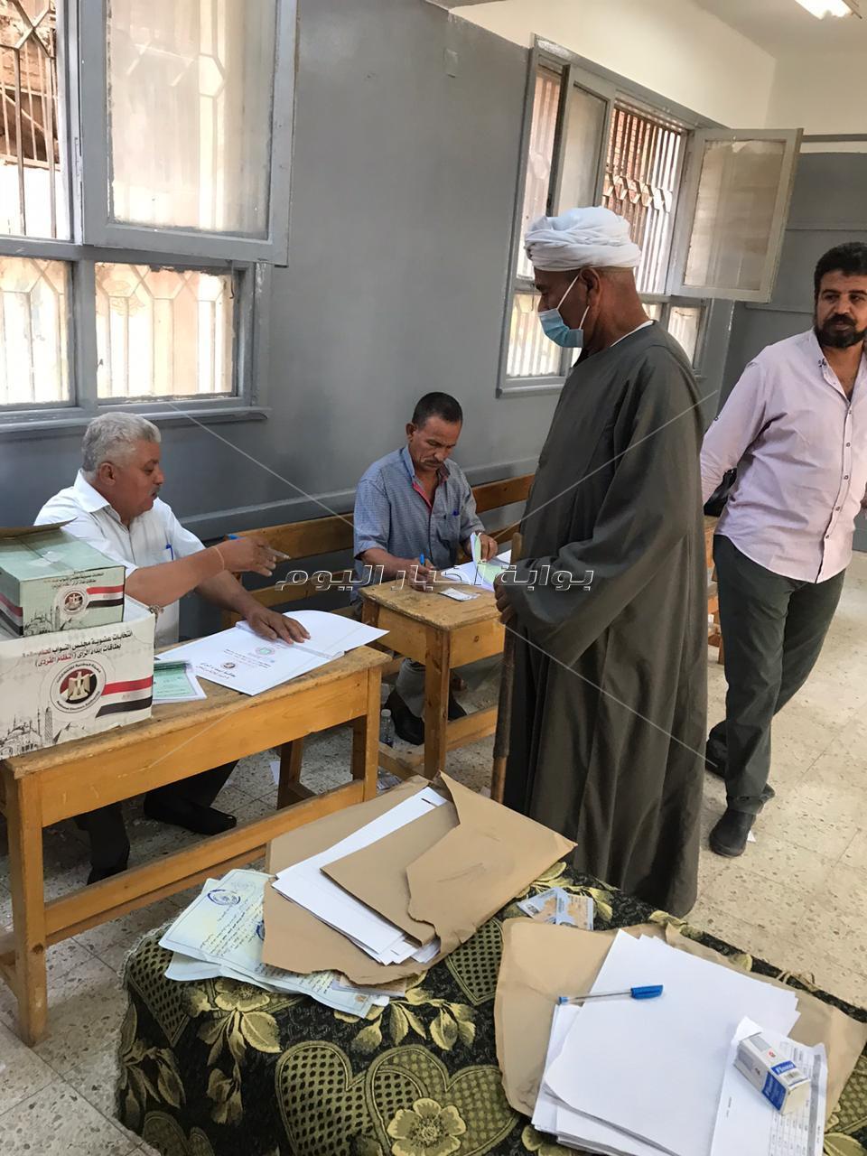 مناوشات بين انصار المرشحين امام اللجان الانتخابية وتعزيزات امنية