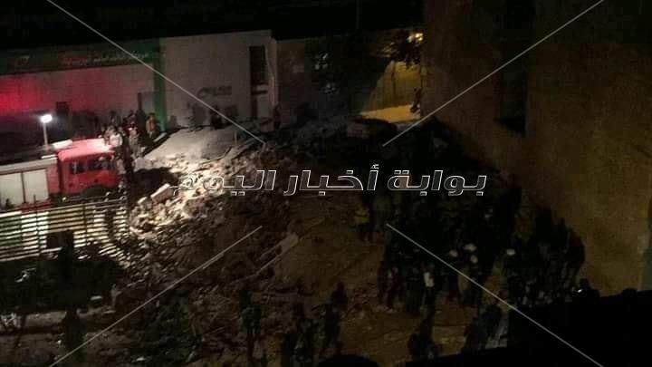 انهيار عقار من 4 طوابق وسط الإسكندرية.. ومصدر: جار رفع الأنقاض بحثا عن مصابين