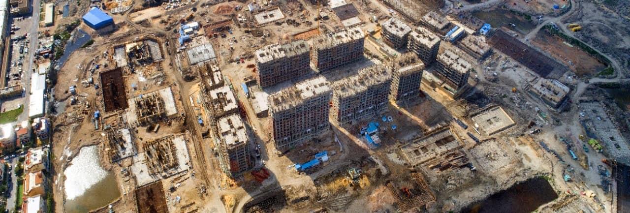 """الإسكان: جار تنفيذ 3168 وحدة سكنية """"أبراج صواري""""..و310 فيلات بمنطقة أرض غرب كارفور بالإسكندرية"""