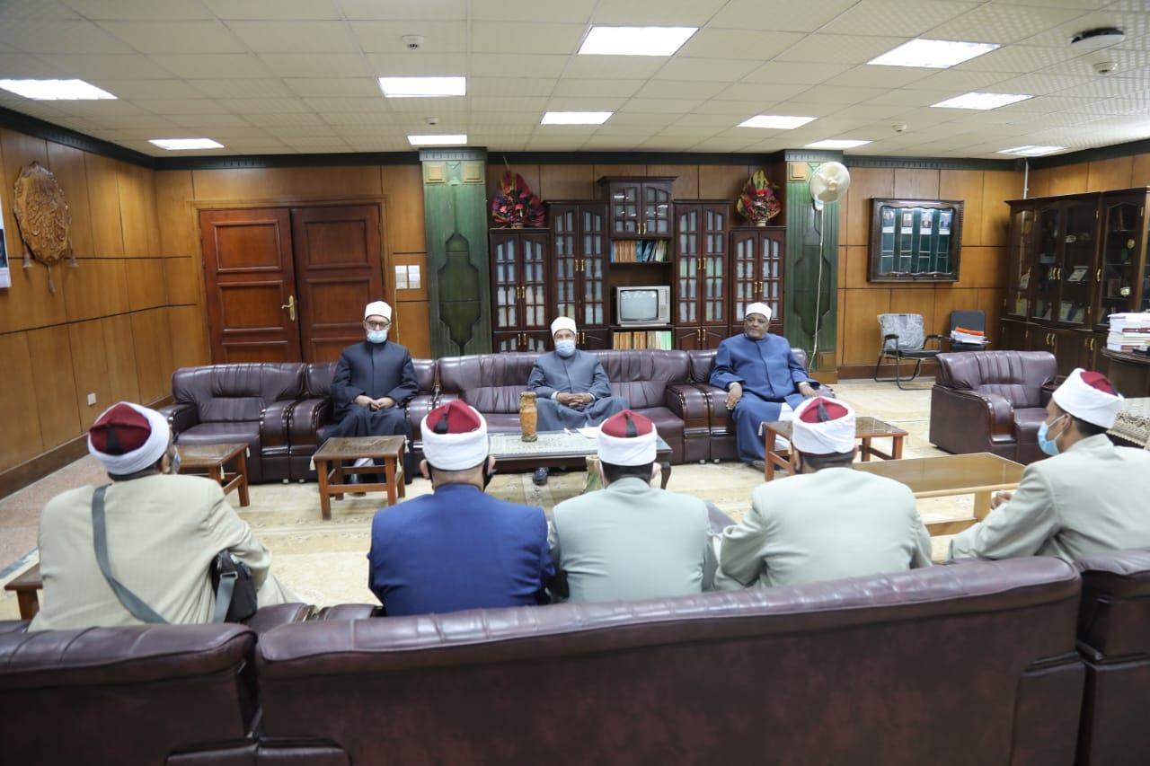 """""""البحوث الإسلامية"""" يبدأ الاختبارات التحريرية لدعم"""