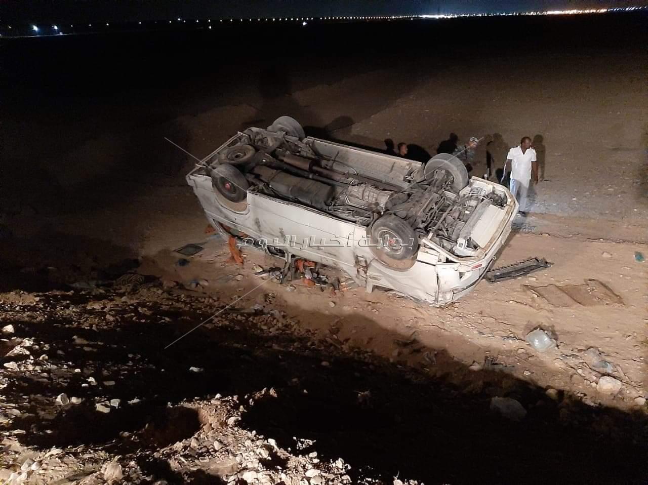 بالصور.. ننشر أسماء المصابين ال 20 في حادث طريق قنا- سوهاج